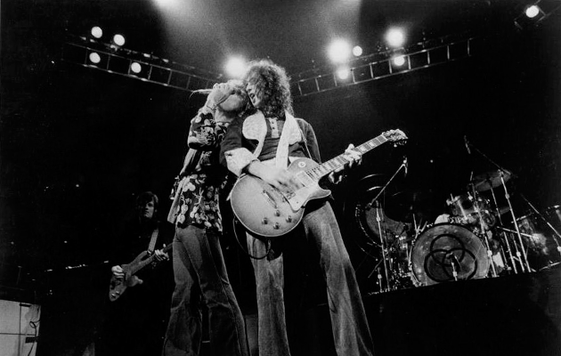 """Robert Plant and Jimmy Page appear in court over """"Stairway To Heaven"""" dispute"""