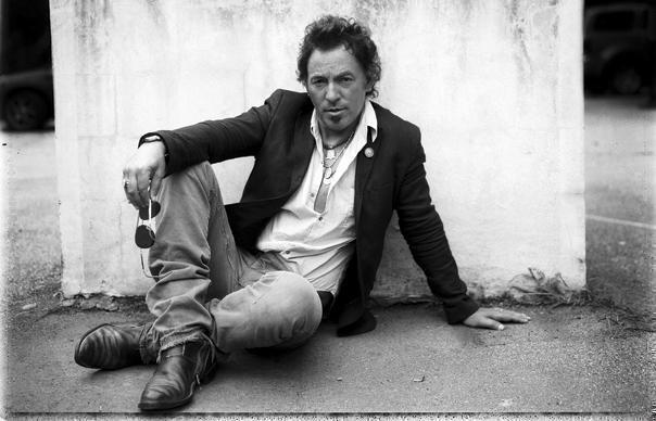 "Watch Bruce Springsteen cover Prince's ""Purple Rain"""