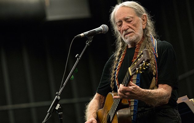 "Willie Nelson: ""I smoked dope on the White House roof once"""