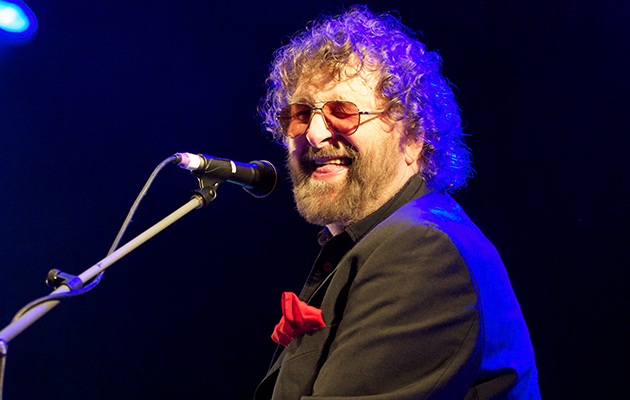 Tributes paid to Chas & Dave's Chas Hodges