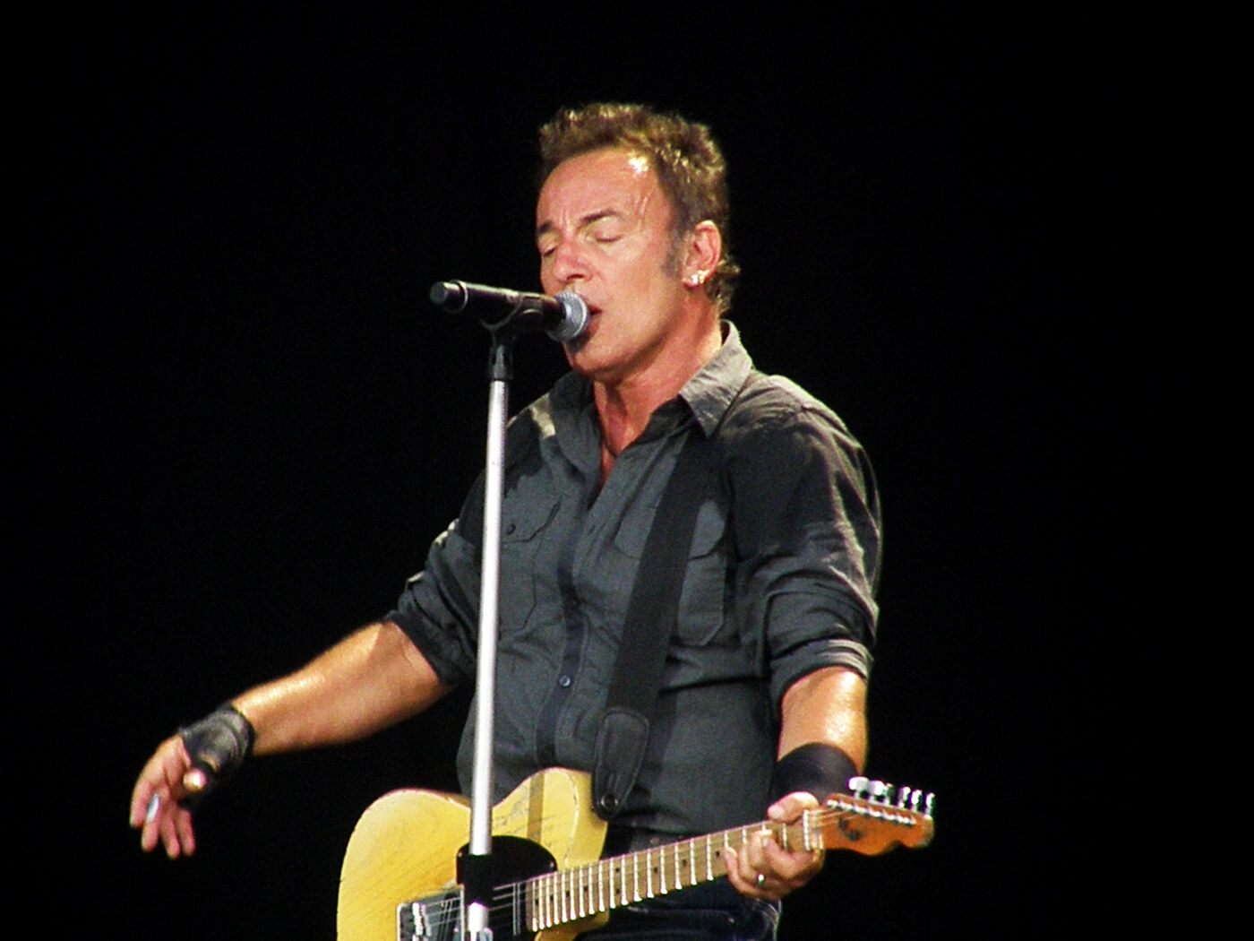 Watch Bruce Springsteen's entire 2009 Hyde Park concert