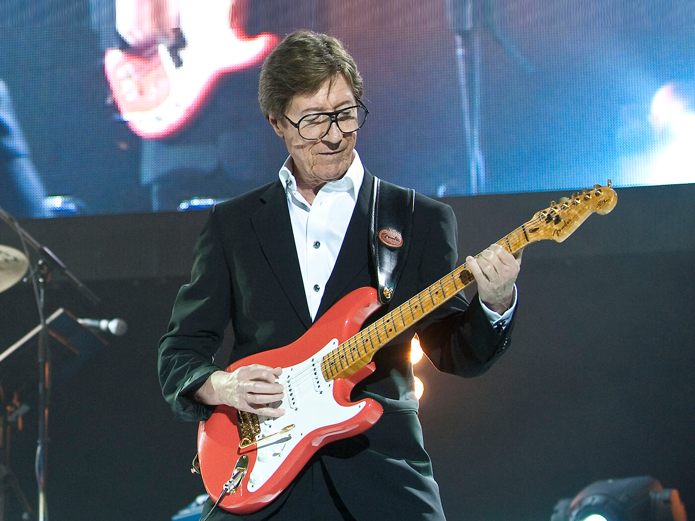 Send us your questions for Hank Marvin