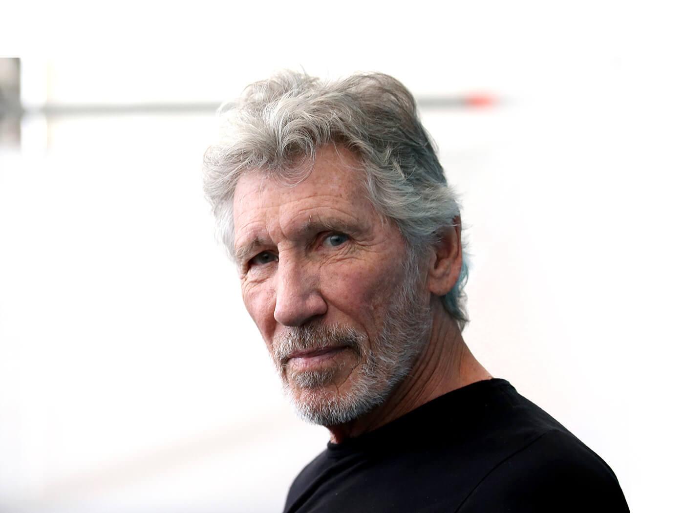 Roger Waters reignites Pink Floyd feud