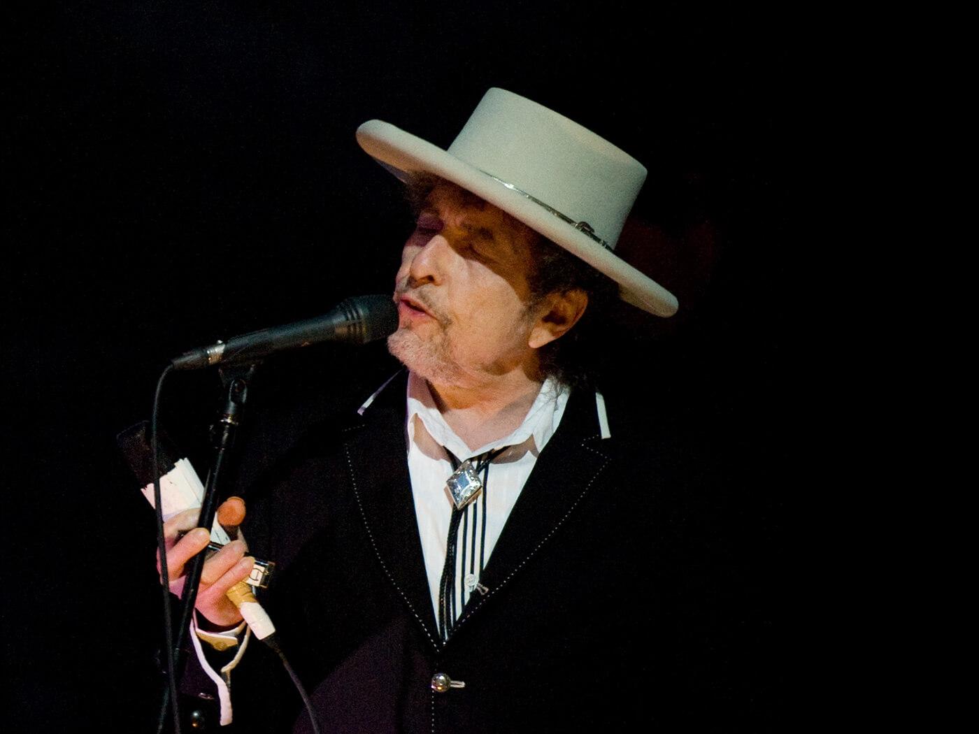 Bob Dylan revives Theme Time Radio Hour