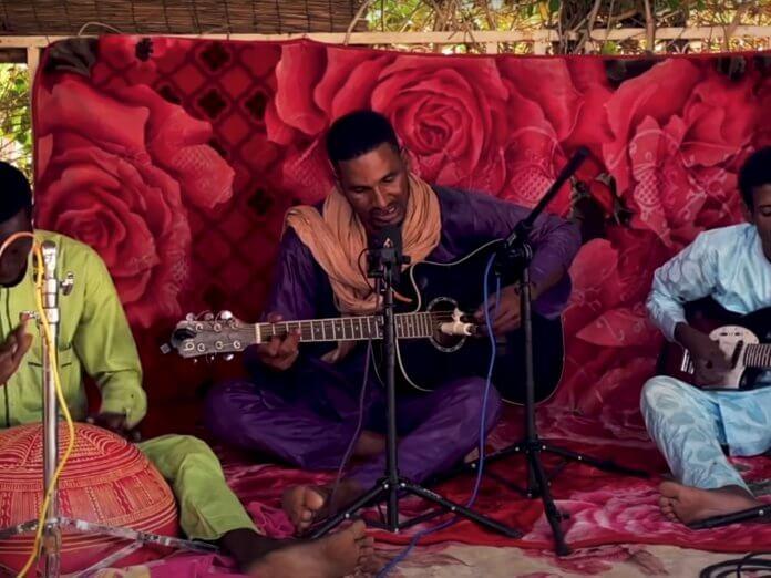 Mdou Moctar Acoustic NPR Afrique VictimeTiny Desk