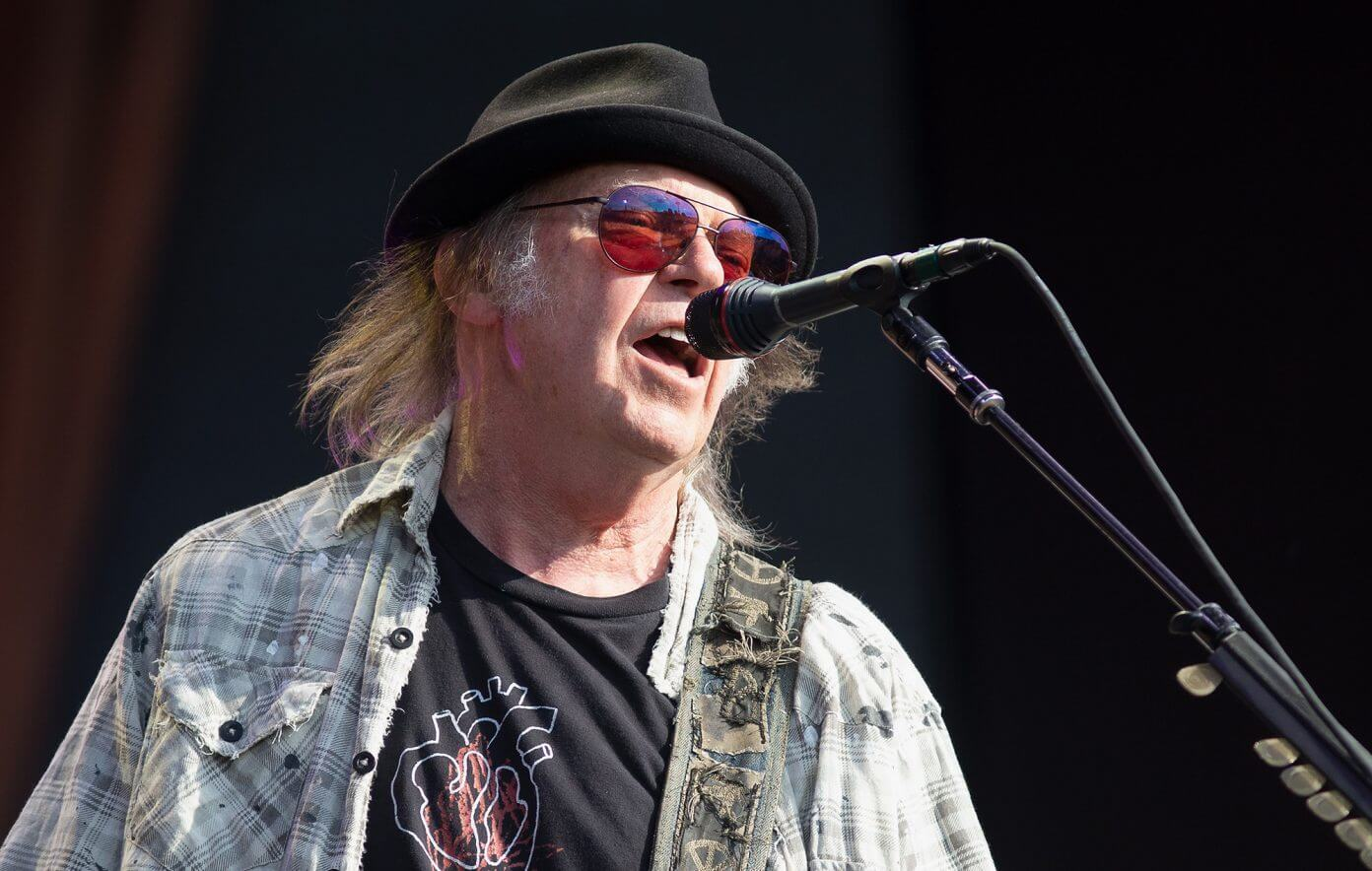 Neil Young & Crazy Horse announce new album Barn coming in December